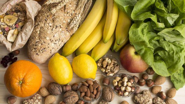 ¿Qué alimentos debes consumir a diario?