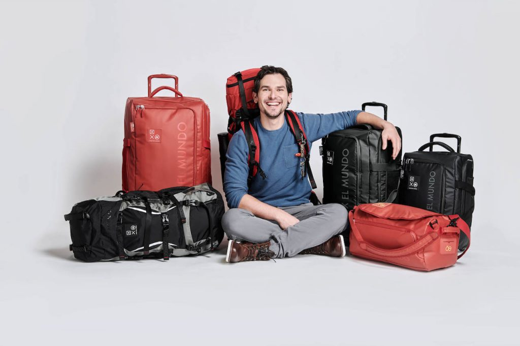 Alan x el mundo estrena línea de maletas